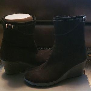 Waterproof wedge ankle boots